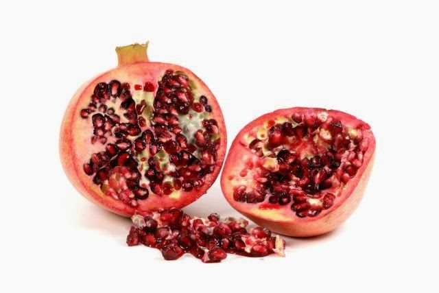 486714 original R by w.r.wagner pixelio.de  - Die heilende Wirkung des Granatapfels / Healthy benefits of pomegranate