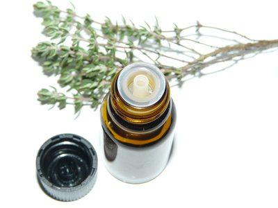 Fotolia 79627428 XS - Die besten Heilkräuter-Öl Anwendungen