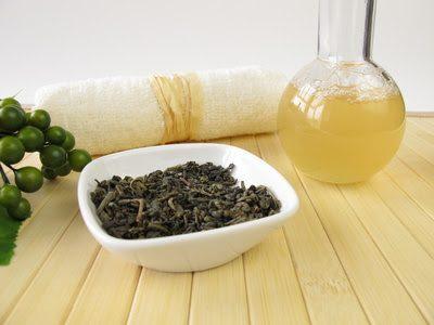 Fotolia 57660647 XS 1 - Eine selbst gemachte Körperseife mit grünem Tee