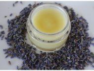 Lippenbalsam für den Sommer – mit einem Hauch von Lavendel